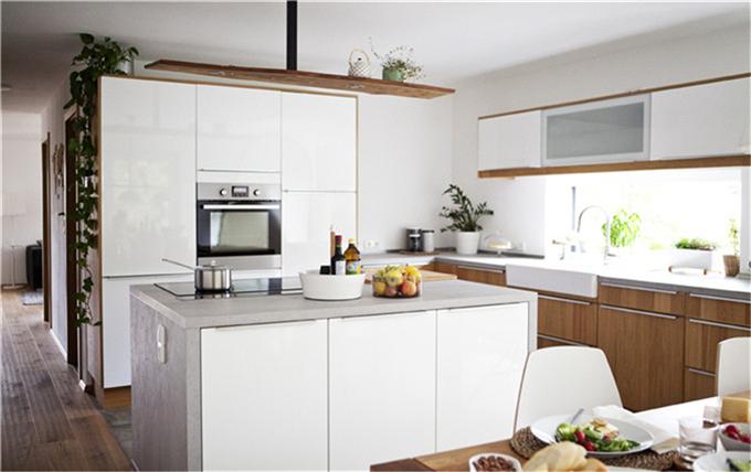 家庭走访:家庭住宅中的舒适公寓