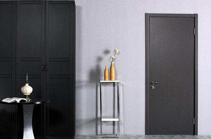 门的颜色、款式、风格如何和墙壁、壁纸搭配?