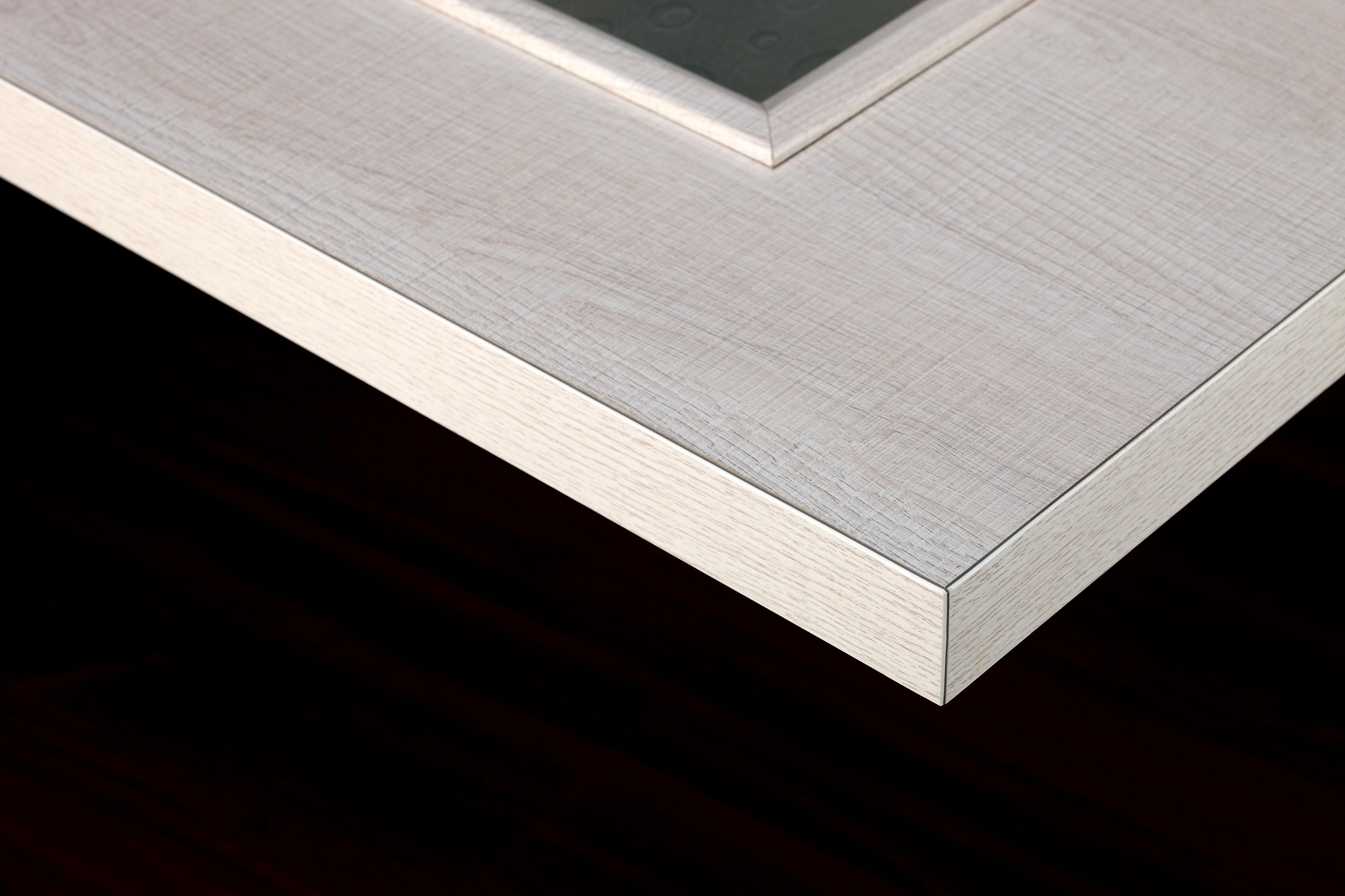 如何更好的防止门开裂?派的门平板门360°封边帮你解决